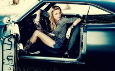 Cool-Girl-In-Old-Car-Wallpaper