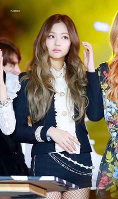 Top Hot & Spicy Photo& of Jennie Blackpink Kim Jennie, Kpop Girl Groups, Kpop Girls, Korean Girl, Asian Girl, Mode Kpop, Kim Jisoo, Blackpink Fashion, Trendy Hairstyles