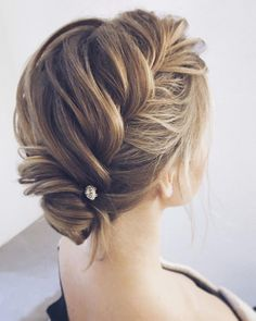 Pretty wedding hairstyle ideas #weddinghairstyles