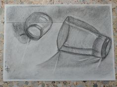 Vasos de cristal, en carboncillo y lápiz carbón, sobre  papel Ingres.