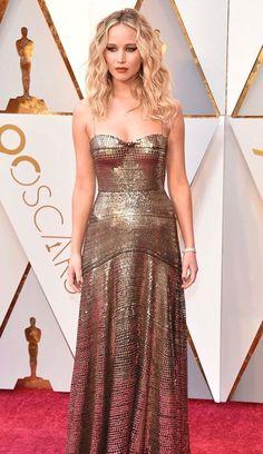 Jennifer Lawrence in Dior #Oscars 2018 | Gold Metallic Dress