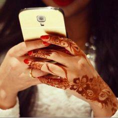 Collection of henna designs from various artists. Pretty Henna Designs, Arabic Henna Designs, Beautiful Mehndi Design, Mehendi, Henna Mehndi, Henna Art, Hand Henna, Modern Henna, Unique Henna