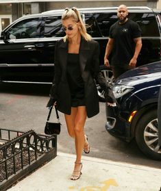 Go Out Outfit Night, Night Outfits, Summer Outfits, Style Gigi Hadid, Gigi Hadid Outfits, Elsa Hosk, Kaia Gerber, Kendall Jenner, Hayley Bieber