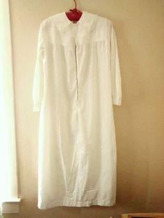 Victorian Ladies nightgown , cotton night shirt, Vintage , Tatting Lace Collar