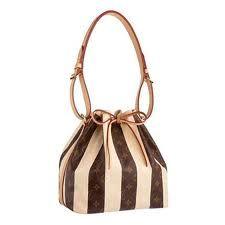 Petit Noé Handbags from Louis Vuitton Always in style! Louis Vuitton Taschen, Buy Louis Vuitton, Louis Vuitton Handbags, Louis Vuitton Monogram, New Handbags, Cheap Handbags, Canvas Handbags, Louis Vuitton Shoulder Bag, Casual Bags
