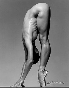 BEAUTIFUL FLEXIBILITY of muscular ballet dancer Sylvie Guillem : if you LOVE Health, #Fitness, Workouts & Inspirational Body Goals - you'll LOVE the #Motivational designs at CageCult Fashion: http://cagecult.com/mma