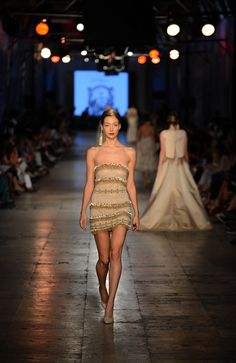The Tuvanam Golden Bazaar Fashion Show - Fashion Designer Tuvana Buyukcinar Demir - Fashion Shows 2015 / Project Fellowship Fashion Shows 2015, Bohemian Style Clothing, Clothes 2019, Strapless Dress Formal, Formal Dresses, Vintage Hippie, Haute Couture Fashion, Golden Girls, Couture Collection