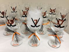 Us hockey moms would love these for tournaments! Hockey Wine Glass