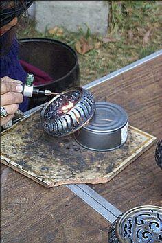 Susan Durazo tin can welding art/lanterns. Kokopelli, dia de los muertos, lotus mandalas and tree branches (for shadow casting) Tin Can Art, Tin Art, Metal Sculpture Artists, Steel Sculpture, Aluminum Can Crafts, Metal Crafts, Metal Projects, Welding Projects, Art Projects
