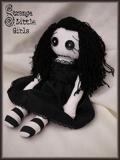 Strange Little Girls Gothic Doll - Willow 6