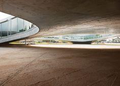Rolex Learning Centre, EPFL Lausanne KAZUYO SEJIMA + RYUE NISHIZAWA / SANAA