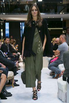 So chic #SoniaRykiel #RTW #PFW #Paris #PoshPicks #Maternity