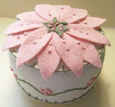 Precioso alfiletero Flor de Pascua Rosa