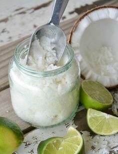 recette gommage visage à la base d'huile de noix de coco à utiliser sur la peau du visage et du corps