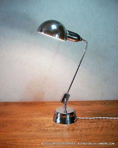 Lampe Jumo 600  | Lampe de bureau Jumo, modèle 600, produite vers 1960, répertorié dans le catalogue du fabricant.  En...