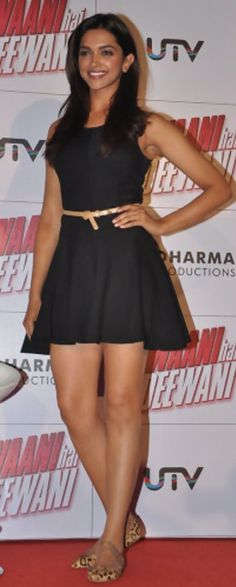 Deepika padukone in small black dress – Hot and Sexy Actress Pictures Deepika Padukone Hot, Dipika Padukone, Girls Dpz, Bollywood Actress, Bollywood News, India Beauty, Sexy Legs, Indian Actresses, Dress Skirt