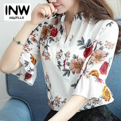Floral Print Shirt, Floral Blouse, Printed Blouse, Floral Tops, Fashion Over 50, New Fashion, Womens Fashion, Chiffon Blouses, Shirt Blouses
