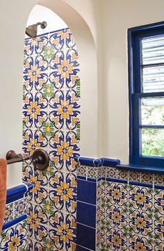 Our traditional Spanish tiles come in vibrant colors with versatile formats that create spectacular patterns when grouped together for a kitchen backsplash. Spanish Tile, Bathroom Wall, Kitchen Backsplash, Wall Tiles, Vibrant Colors, Ceramics, Mirror, The Originals, Person Search