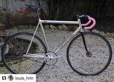 Real bikes not plastic ones — #Repost @louis_hrln (@get_repost)  ・・・  #fixedgear...
