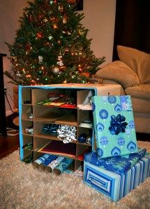 #DIY wrapping station using old #moving #boxes