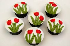 Amazing Snaps: How to make Tulip Cupcakes