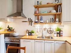 love love love this cozy kitchen