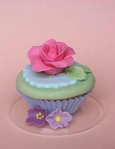 Cupcakes Flower #CupCakes #Flower #Baking.Rose cupcake