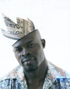 Djimon Hounsou: Born in Cotonou, Benin, West Africa, to Albertine and Pierre Hounsou My Black Is Beautiful, Gorgeous Men, Beautiful People, Djimon Hounsou, Narcisse, Many Men, Foto Art, Raining Men, Good Looking Men
