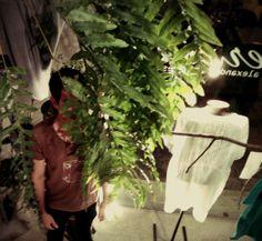 """o cubo, a embalagem, o humano, a camiseta que sintetiza """"sem título º2"""", entenda porquê isso tudo está acontecendo e como os rumos da Heroína - Alexandre Linhares chegaram até aqui.  http://heroina-alexandrelinhares.blogspot.com.br/2014/01/o-cubo-embalagem-o-humano.html"""