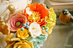 Sugar flowers - Delicatesse Postres by Jenny Ho Sugar Flowers, Wedding Cakes, Display, Baking, Desserts, Inspiration, Food, Deserts, Wedding Gown Cakes