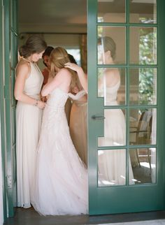 Photography: Elizabeth Messina - kissthegroom.com  Read More: http://www.stylemepretty.com/2014/04/01/blushing-black-tie-affair-at-the-four-seasons/