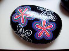 1000 amenidades: Piedras talladas, pintadas