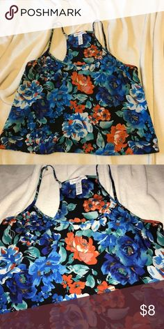 1fa857cc58591 Floral Top Adorable crop top. Only worn twice. Windsor Tops Blouses