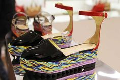 Now THIS is innovative shoe design! I ache for these....