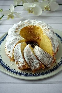 Puszysta babka piaskowa Easter Recipes, Baby Food Recipes, Dessert Recipes, Cooking Recipes, Babka Recipe, European Dishes, Afternoon Tea Cakes, Delicious Desserts, Yummy Food