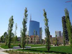 E' stata finalmente inaugurata a Milano la 'Biblioteca degli Alberi', il grande parco pubblico di Porta Nuova proprio sotto i grattacieli de...