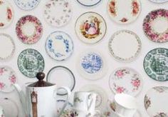 Close+up+of+studio+ditte+vintage+plates+wallpaper+with+vintage+tea+set+on+sideboard Studio Ditte Vintage Style Wallpaper and Stationery Vintage Plates, Vintage China, Vintage Dishes, Vintage Pyrex, Vintage Tea, Vintage Style Wallpaper, Sweet Home, Wall Wallpaper, Home Decor Ideas