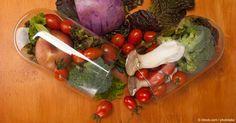 Algunos alimentos son conocidos por tener cualidades medicinales para problemas específicos, como los cólicos menstruales, IBS, hipertensión y más. http://articulos.mercola.com/sitios/articulos/archivo/2015/08/10/propiedades-medicinales-de-los-alimentos.aspx