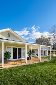 Home Treasures | Downtown Magazine Australian Country Houses, Australian Homes, Weatherboard House, Queenslander, Farm House, My House, Livable Sheds, Patio Design, House Design