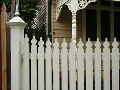 victorian fence | Victorian picket fence by rippelsfencing.com.au]