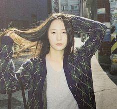 Krystal Fx, Jessica & Krystal, Jessica Jung, Snsd Fashion, Korean Fashion, Krystal Jung Fashion, Lisa, Girl Poses, Aesthetic Girl