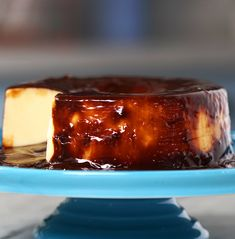 Recipe with video instructions: This rich, thick tres leches pudding is made even more decadent topped with a hazelnut spread. Ingredients: 2 cans condensed milk, 2 eggs + 1 yolk, 1 cups. Holiday Desserts, Just Desserts, Delicious Desserts, Yummy Food, Pudding Recipes, Cake Recipes, Dessert Recipes, Food Cakes, Love Food