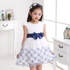 Vestido corto para niñas de 6 a 10 años.