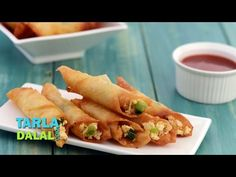 Paneer Chilli Cigars Video - An easy but irresistible snack, made by rolling a succulent paneer mixture into samosa patties, and deep-frying the cigar-shaped rolls. Paneer Snacks, Paneer Recipes, Indian Food Recipes, Vegetarian Recipes, Snack Recipes, Cooking Recipes, Cooking Videos, How To Make Chilli, Chilli Paneer
