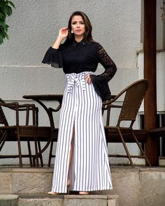 20 Black and White Outfits Ideas For Women Cute Fashion, Look Fashion, White Outfits, Trendy Outfits, Women's Fashion Dresses, Modest Fashion, Collage Outfits, Stylish Sarees, Blouse And Skirt