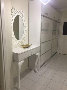 Dresuar Garderobenmodell für Doorway – Home Trends 2020 Modern Entrance, Home Decor Kitchen, Doorway, Vanity, Mirror, Interior, Room, Furniture, Tv