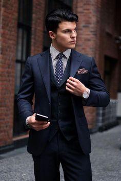 Best Blue Suits, Navy Blue Suit, Cool Suits, Mens Fashion Blog, Mens Fashion Suits, Mens Suits, Fashion Hats, Fashion Trends, Suit Combinations