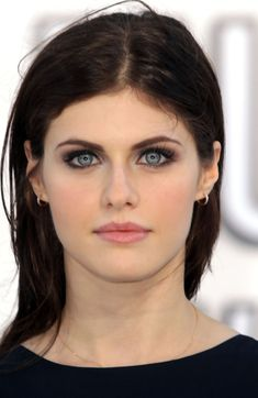 Alexandra Anna Daddario is an American actress and fashion model from New York City, New York. She has Hungarian, Irish, and Italian ancestry. Daddario had her first television role at the age of Alexandra Daddario True Detective, Alexandra Anna Daddario, Camille Leblanc Bazinet, Ana Steele, Emily Deschanel, Catherine Deneuve, Celebrity Beauty, Celebrity Women, Hollywood Celebrities