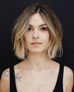 So much beautiful and amazing trends of short blonde bob hairstyles for every fashionable and bold lady in You may easily find here our most gorgeous looks of blonde hair colors to enhance your beauty of hair looks. Blonde Bob Hairstyles, Choppy Bob Hairstyles, Cute Hairstyles For Short Hair, Short Hair Cuts, Straight Hairstyles, Curly Hair Styles, Straight Bob Haircut, Bob Cut Hair, Short Bob Thin Hair
