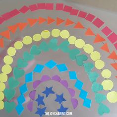 Shapes Rainbow Suncatcher - Fun sorting activity for toddlers and preschoolers. Also, an easy rainbow craft for St. Rainbow Crafts Preschool, Preschool Arts And Crafts, Daycare Crafts, Paper Crafts For Kids, Easy Crafts For Kids, Toddler Art, Toddler Crafts, Toddler Activities, Contact Paper Crafts